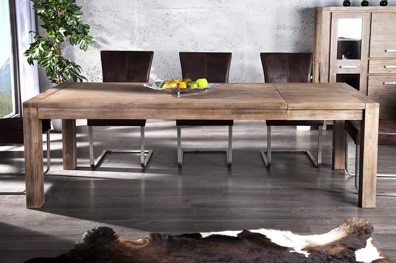 Jedálenské stoly a stoličky