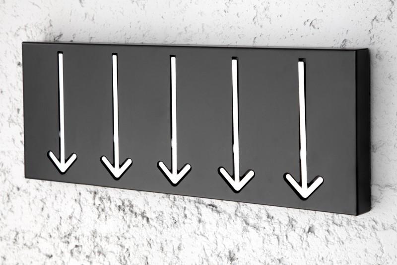 Nástenný vešiak Arrow 5er čierna